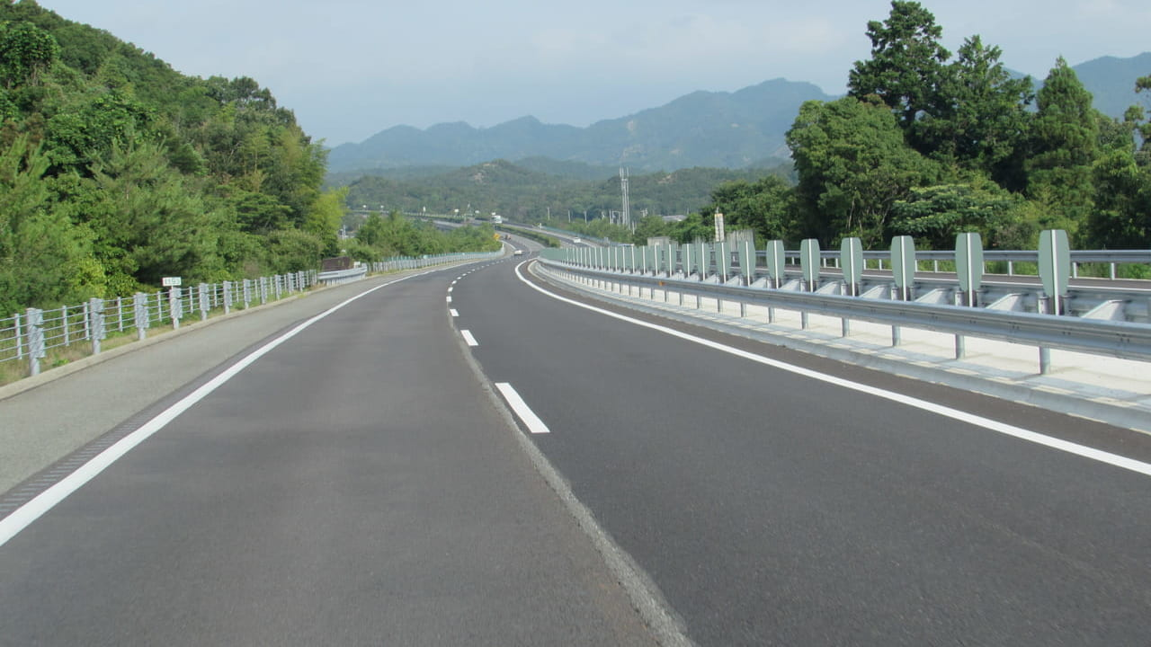 東名高速通行止め